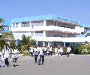 Jóvenes nicaragüenses: futuros galenos formados en Cuba