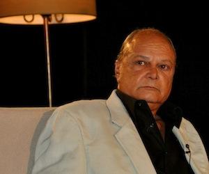 """Enrique Molina en el programa de televisión """"Con dos que se quieran"""". Foto. Archivo."""