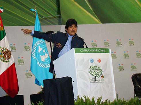 Evo Morales en la cumbre sobre Cambio Climático, en Cancún, México. Foto de Felix Albisu