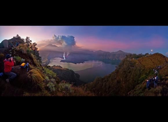 """Erupción del Gunung Rinjani""- Aaron Lim Boon Teck"