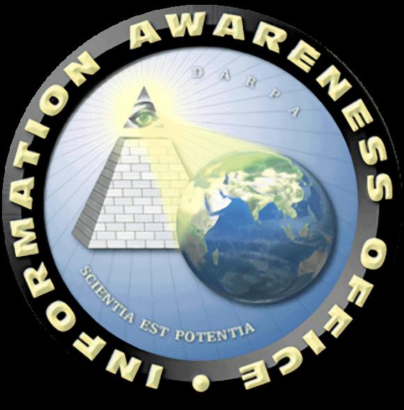 Emblema oficial de la Information Awareness Office estadounidense. ¿Una broma orwelliana? No. Era real. Su alcance resultaba tan excesivo que fue públicamente cancelada en 2003, pero varios de sus proyectos siguen adelante por otras vías.