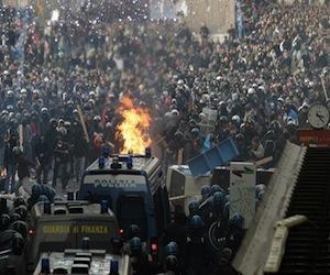 italia-protestas-berlusconi1