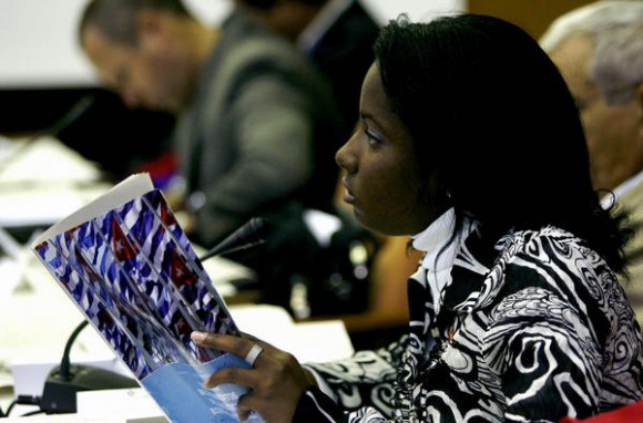 Segundo día de sesiones del parlamento cubano, en el Palacio de Convenciones, en La Habana, el 16 de diciembre de 2010, donde se debaten los Lineamientos de la Política Económica y Social de la Revolución.  AIN FOTO POOL/Ismael Francisco GONZÁLEZ/PL