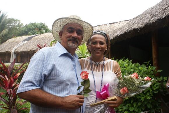 Pancho Amat y Maria Victoria al ganar en mayo el Gran Premio del Cubadisco 2010. Foto Marianela Dufflar