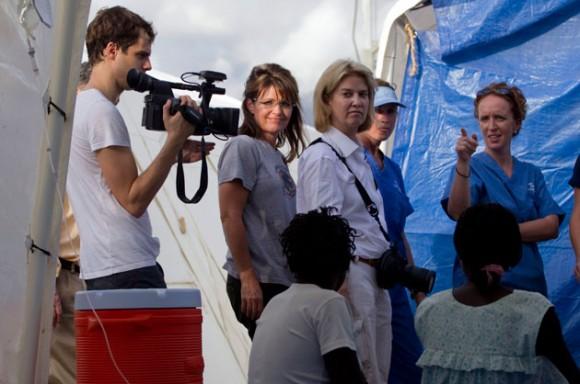 Sarah Palin en Haití. Foto: AP