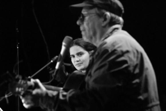Silvio Rodríguez en la Comunidad 6to Congreso. Foto Iván Soca