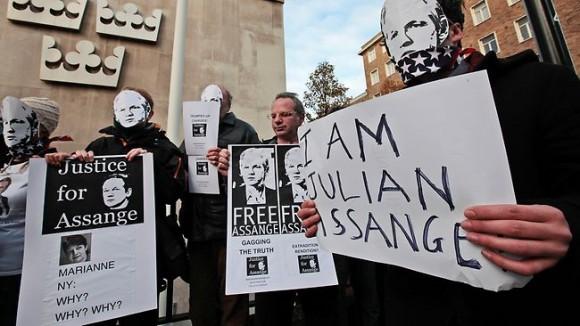 636173-britain-sweden-wikileaks