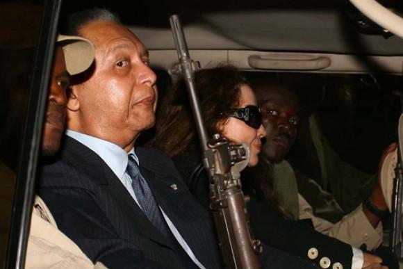 El dictador a su llegada a Puerto Príncipe. Foto: AFP