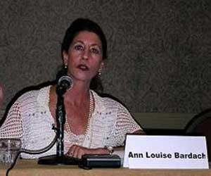 Ann Louise Bardach, periodista que entevistara a Luis Posada Carriles en 1998
