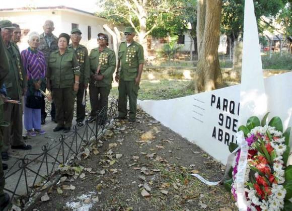 Combatientes de la revolución rememoran la entrada  de la Caravana de la Libertad en el municipio del Cotorro, el 8 de enero de 2011.   AIN   FOTO/Oriol de la Cruz ATENCIO