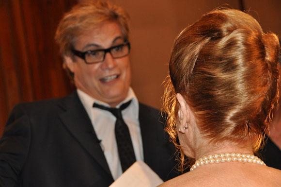 """Carilda Oliver y Amaury Pérez en el programa """"Con 2 que se quieran"""". Foto: Petí"""