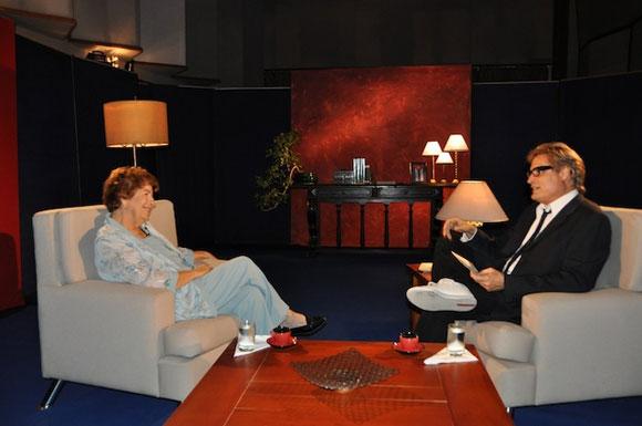 """Dra. Dolores Ortiz y Amaury Pérez en el programa """"Con 2 que se quieran"""". Foto: Petí"""