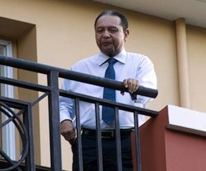Prohíben salir de Haití al ex dictador Duvalier y EEUU presiona a Preval para que retire candidato