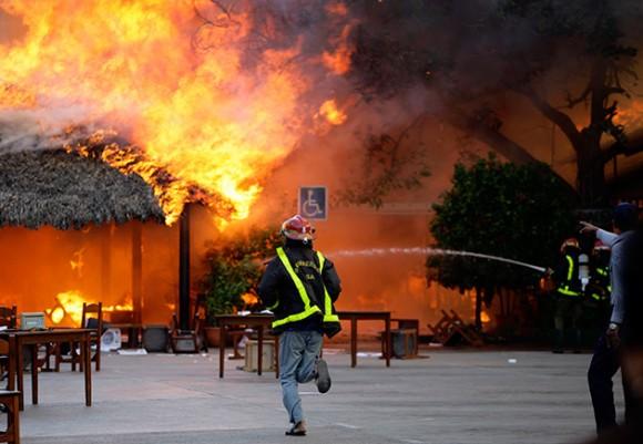 Incendio en el restaurante El Palenque, de La Habana. Foto: Reuters