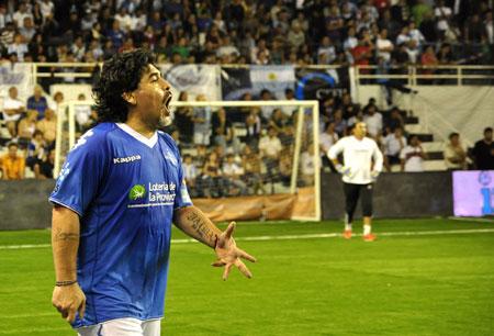 Maradona durante el juego. Foto: Kaloian