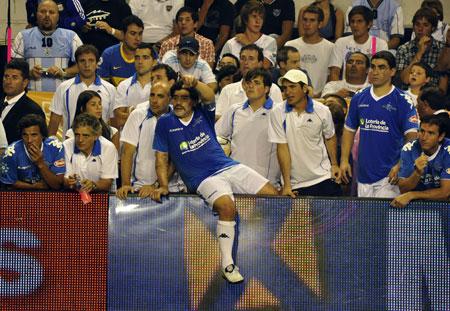 Diego Maradona durante el juego en Mar del Plata. Foto: Kaloian