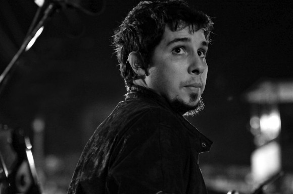 Óliver, el percusionista. Foto: Roberto Chile
