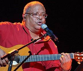 El cantautor Pablo Milanés canta nuevamente en Cienfuegos
