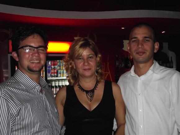 Maikel Cal, Elizabeth Roja Monzón y Rafael Mateu Dorado creadores del Proyecto Barbaram Pepito´s Bar