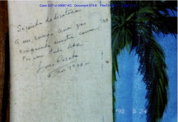 Dedicatoria de Luis Posada Carriles en el cuadro que regaló a Bardach, y que aparece en los documentos presentados en la Corte.