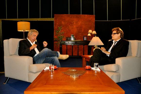 """Sergio Vitier y Amaury Pérez en el programa """"Con 2 que se quieran"""". Foto: Petí"""