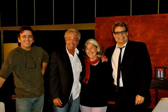 """Sergio Vitier y su esposa, Amaury Pérez y Rafael Solís en el programa """"Con 2 que se quieran"""". Foto: Petí"""