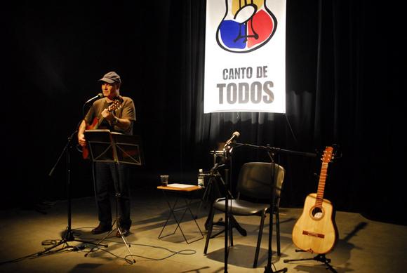 Vicente Feliú, Canto de Todo, Casa del Alba. Foto: Iván Soca
