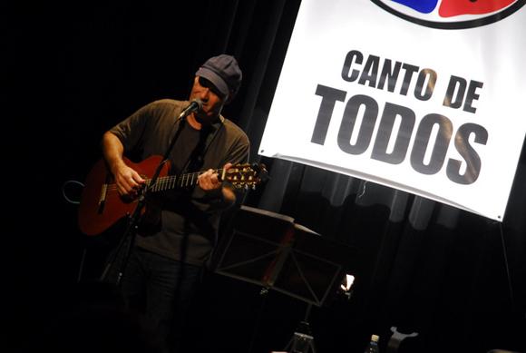 Vicente Feliú en Canto de Todos, Casa del Alba. Foto: Iván Soca