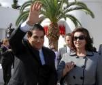 Abidine ben Ali y su esposa.