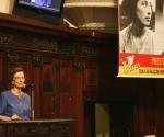 Anita Prestes en una acto dedicado a sus padres. Foto: Archivo.