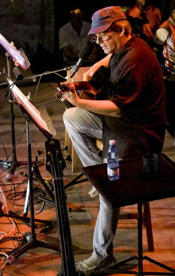 Despedida  solo con guitarra. Foto: Alejandro Ramírez Anderson