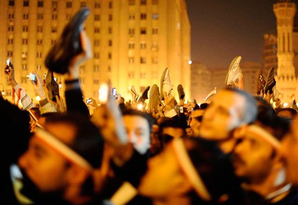 Mostrar los zapatos se considera una ofensa en el mudno árabe. Foto: Reuters