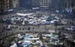 Manifestantes egipcios comienzan a congregarse en la plaza de Tahrir desde primera hora de la mañana para continuar con el decimocuarto día consecutivo de protestas contra el presidente egipcio, Hosni Mubarak, en El Cairo (Egipto), hoy, lunes, 7 de febrero de 2011. EFE/HANNIBAL HANSCHKE