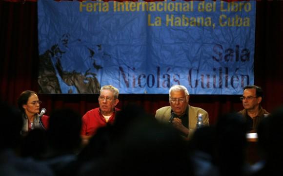 Presentacion del Libro FIDEL  por el Mundo, de Luis Baez. Foto: Ismael Francisco