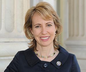 Congresista Giffords se recupera rápidamente y puede que asista a acto público