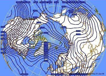 Para comparación véanse estos dos mapas de la circulación planetaria a 3 kilómetros de altura…. Obsérvese la fuerte entrada de aire frío del oeste de Canadá hacia el sudeste de los EE.UU. y Cuba el 13 de diciembre pasado.