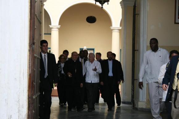 James Carter y Jaime Ortega a la salidad del Arzobispado. Foto: Sheyla Valladares.