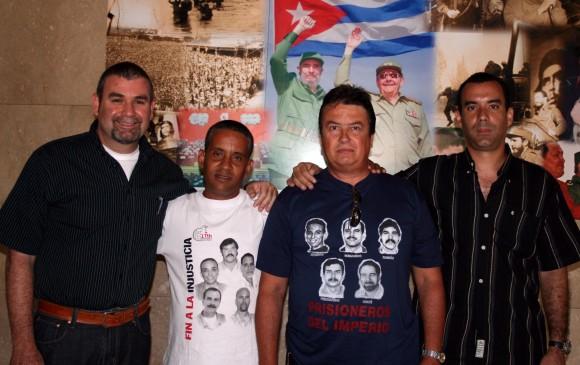 Cuatro hermanos, con Fidel y Raúl.