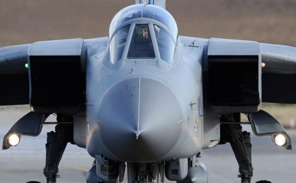Un jet Tornado de la Fuerza Aérea Real británicaREUTERS/Russell Cheyne