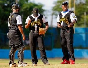 Serie Nacional de Béisbol: Guantánamo líder y Santiago colista