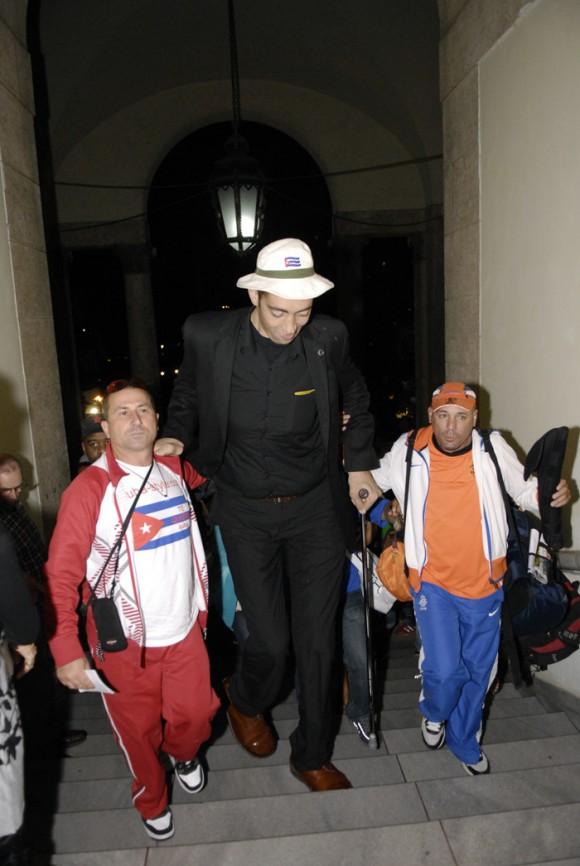 El hombre mas alto del mundo. Foto: Roberto Suárez