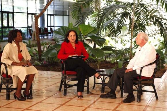 James Carter durante la entrevista con Arleen Rodríguez. Foto:  Jenny Muñoa.