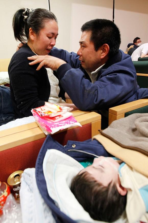 Milagro en Japón: un hombre halla en un hospital a su hijo desaparecido en el tsunami. Foto: Reuters