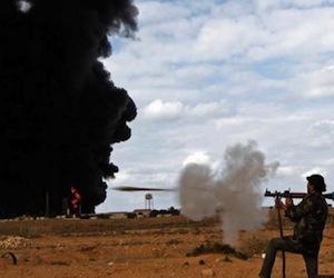 Fuerza aérea de Gadaffi destruida, dice Gran Bretaña