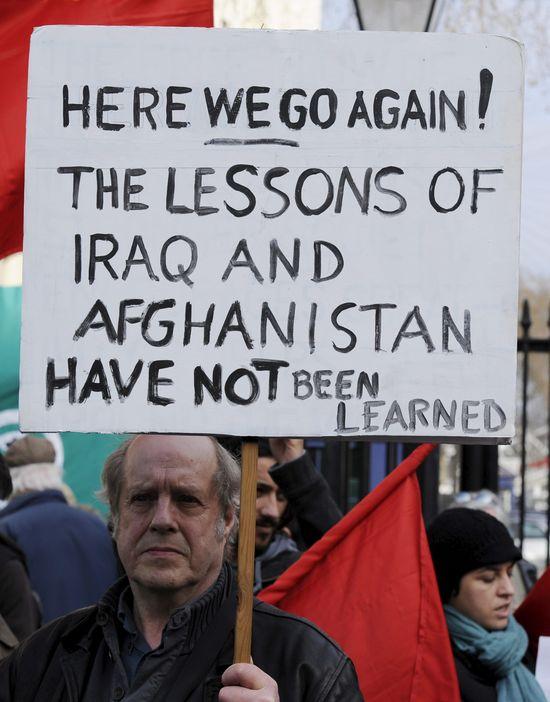 Gadafi no es Sadam Husein. Ni Libia es Irak. Tampoco Afganistán. Libia solo es desierto, unas cuantas ciudades y gente dura, curtida por el sol, el viento y la sed.