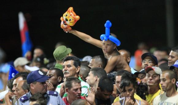 Los Tigres de Ciego de Ávila arrancaron con victoria en el play off por la disputa del título de la 50 Serie Nacional de Béisbol. Foto: Ismael Francisco