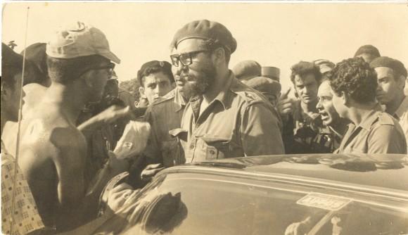 Fidel durante los combates de Playa Girón