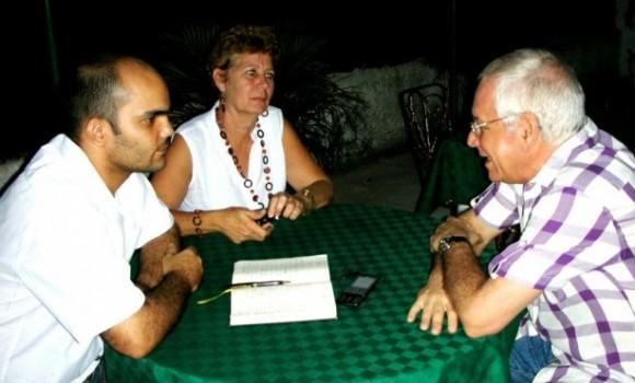 Entrevistando a Gerardo Chijona junto a la poeta Rosa R. Cubela