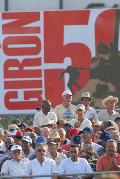Revista militar y desfile popular por el  aniversario 50 de la proclamación del Carácter Socialista de la Revolución Cubana y de la Victoria en Playa Girón, en la Plaza de la Revolución José Martí, en La Habana,  Cuba,  el 16 de abril de 2011.   AIN FOTO/Marcelino VAZQUEZ HERNANDEZ/sdl