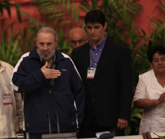 Assiste Fidel ao encerramento do congresso de comunistas cubanos